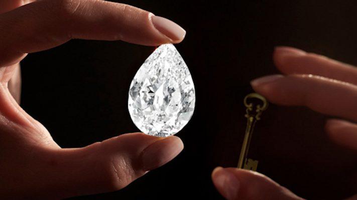 5,7 triệu USD kim cương bị đánh tráo bằng đá cuội